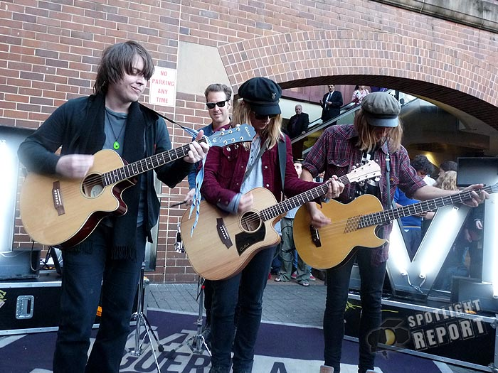 10the_vines_channelV_guerrilla_gig_sydney_2011