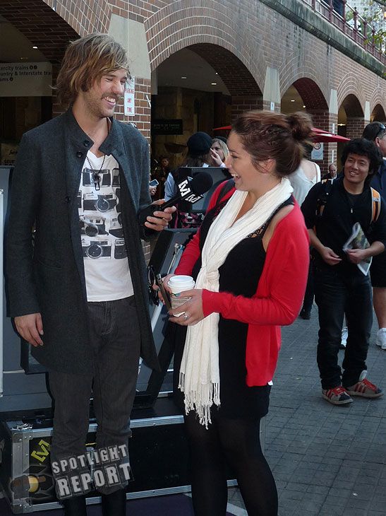 19the_vines_channelV_guerrilla_gig_sydney_2011