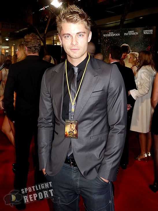 22_water_for_elephants_australian_premiere_robert_pattinson_reese_witherspoon_sydney_2011